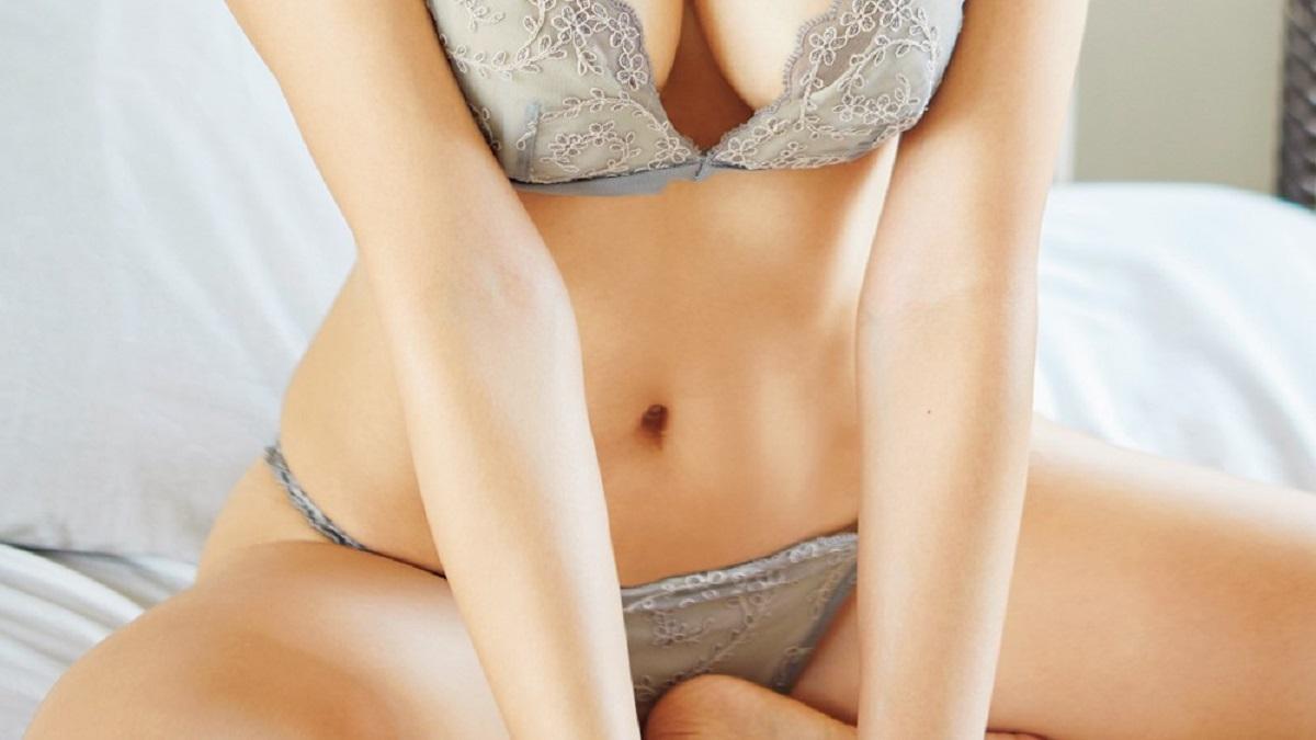 使用済みのしみつきのパンツを女の子から買って、お得にセックスする。